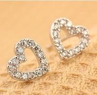 Korean Jewelry Cute Small Heart Rhinestone Stud Earrings C24R4