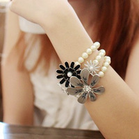 Min.order $15(mix order) free shipping 2013 hot sale wholesale fashion new style elegant flower multi-layer pearl bracelet