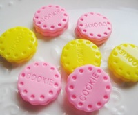 very popular and kawaii resin cookie 20pcs mixed 2 color