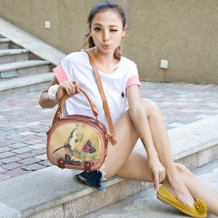 http://i01.i.aliimg.com/wsphoto/v0/745246305/Free-shipping-2013-doodle-little-girl-fork-shoulder-bag-handbag-women-s-handbag-small-bag-little.jpg