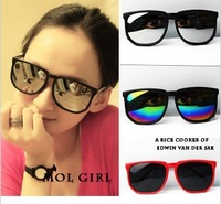 Free shipping fashion European-style black frame 3 color lens ladies`sunglasses glasses wholesale