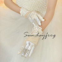 2014 Fast Free Shipping in Stock White Floral Lace Wedding Gloves Hot Sale Top Quality Gloves -Glove52