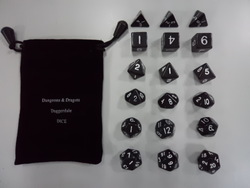 Dungeons &amp; Dragons 18 grains of polyhedral dice dice [set] millionaire run group of game Warcraft accessories toy gifts(China (Mainland))