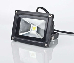 12V AC/DC 10W Warm White LED Flood Light Outdoor Lights black case High Power IP65 Green Blue Yellow Red LW1(China (Mainland))