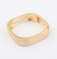 Min.order is $10(mix) 5034 gold color metal shiny statement open bangle bracelet fashion bangle wholesale jewelry