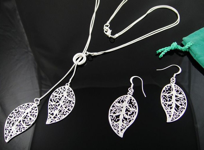 2pcs/Lot --High Quality 925Silver Leaf Pendant Necklace Earrings Set Women Jewelry/ Free Shipping(China (Mainland))