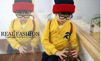 Children's wear cardigan sweater coat men's children R word.
