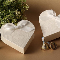 Gorgeous White Heart-Shaped Embossed Candy Gifts Chocolate Favor Boxes With Bow for Wedding Party 30pcs Free Shipping