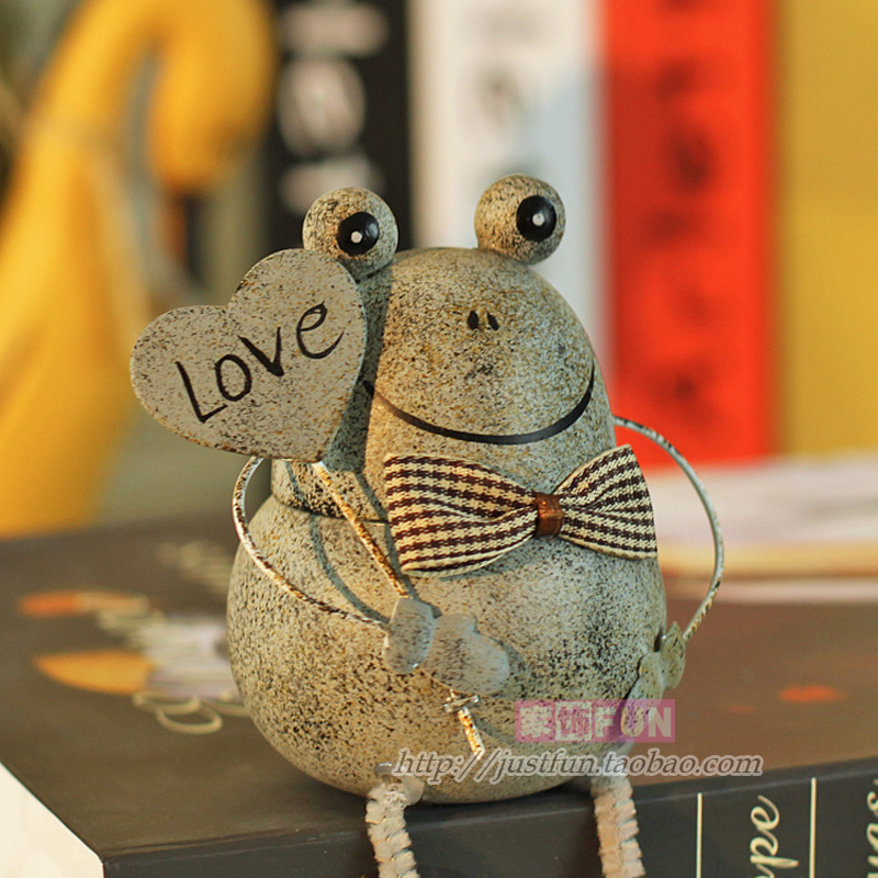 China Gift Furnishings fun vintage frog home decoration wedding gift(China (Mainland))