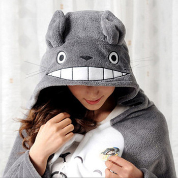 Classic cartoon totoro mantissas cape lounged blanket air conditioning blanket mantissas cloak