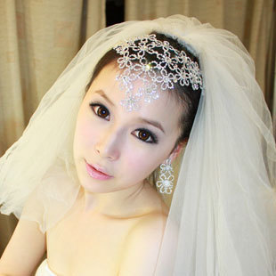 Free shipping* Gift box the bride hair accessory wedding dress rhinestone the wedding hair accessory earrings necklace set(China (Mainland))