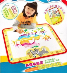 Freeshipping 2013 hot sale manufacturer selling baby drawing mat america aqua doodle aqua doodle with box +1 magic pen(China (Mainland))