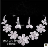 Free Shipping!2013 new items Excellent Rhinestone bridal necklace and ear clip set for wedding jewelry XL039 Free Shipping!