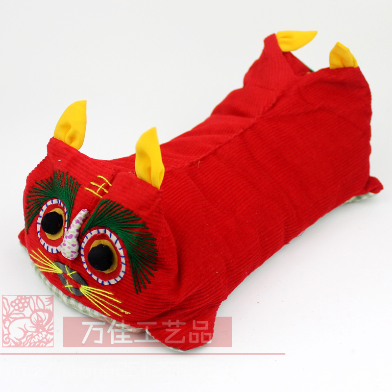 Gift pillow cloth dolls folk embroidery crafts child pillow souvenir(China (Mainland))