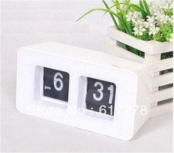 2013 newest cheapest free Shipping Auto Flip desk Clock Retro File Down Page Clocks Classic Modern Desk Table(China (Mainland))
