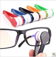 The multifunctional portable Glasses wipe glasses clean wipe