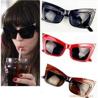 Women Sunglasses Lady Gaga Cat Eye Dark Lens Womens Glasses Brand New Retro Vintage Ladies Glasses bat man glasses