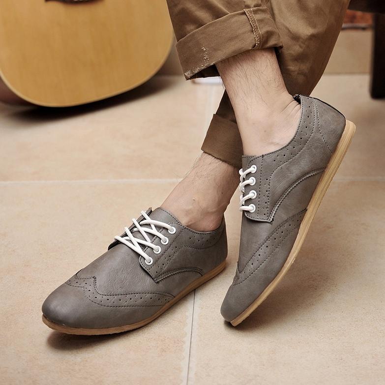 por eso es importante saber elegir entre tanta variedad. A continuación  algunas opciones de zapatos que puedes utilizar para tener un estilo vintage