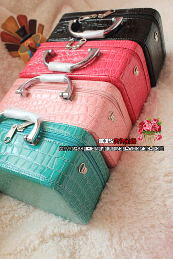 Hearts . hearts . single ice cream vintage gharial suitcase shaping bag cross-body(China (Mainland))