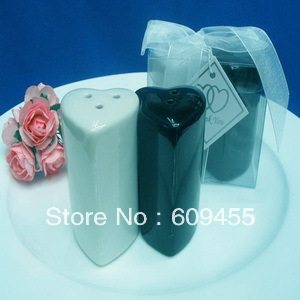 NEW ARRIVAL+Factory Outlet Wholesale Black&White Hearts Salt and Pepper Shakers Wedding Favors+100sets/lot+FREE SHIPPING(China (Mainland))