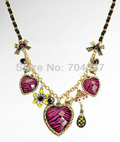 Minimum order request $9.99 bets8y  (U can mix order) johns0n romantic leopard grain heart Neckalce J01