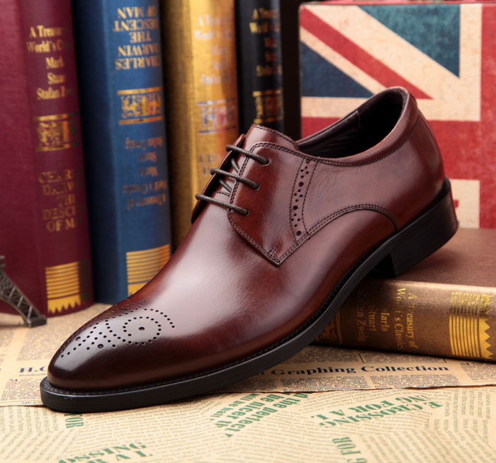 Free shipping 2013 Handmade Mens Shoes Elegant Brown Genuine Leather Shoes Formal Men&#39;s Dress Shoes Men Wedding Prom Shoes(China (Mainland))