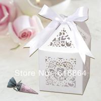 Large Size:8*8*12cm 12pcs/set Laser Cut Heart Wedding Favor Box in Matt White