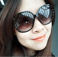 2013 New Women fashion Sunglasses, UV400 protection sunglasses Ms. diamond rivet Round Sunglasses (20 pieces/lot) Free shipping