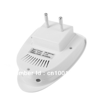 White Electro Magnetic Ultrasonic Electronic Pest Repeller for lustrating Mouse Bug Mosquito Insect