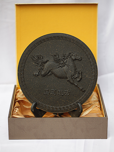 Gift anhua black tea zodiac 12 technology tea cake 1.3kg 26cm gift box clip(China (Mainland))
