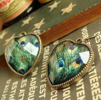 (Min.order is $10 ) Fashion Europe vintaged luxury peacock heart earrings !E2108