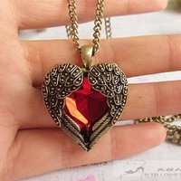 Love Vintage Long Ruby Design Necklace