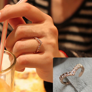 mix order YHD71286 fashion unique crystal ring little finger pinky heart ring for female