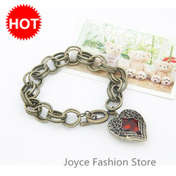 Min Order $10 2013 Cool Fashion Items Vintage Bangles Jewelry Retro Red Angel Wings Hearts Bracelet Gold Plated BangleSL26042(China (Mainland))