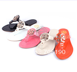 Fashion 2013 women's shoes sweet japanned leather rivet flip-flop flat heel flat flip flops shoes gladiator style(China (Mainland))