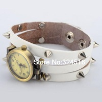 Retro Style Leather Quartz Watch with Nail Watchband White