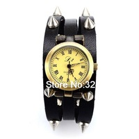 Retro Style Leather Quartz Watch with Nail Watchband Black