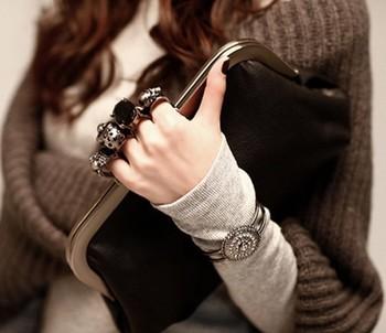 Korea 2014 Free shipping gem Jewelry Skull ring fingers bag handle bag Messagebag shoulder bag women bags Evening,Banquet