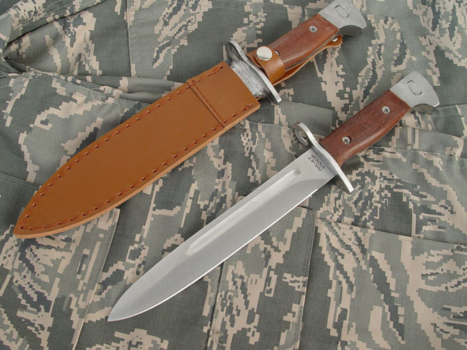 Classic short AK-47 Shanker (leather sheath)(China (Mainland))