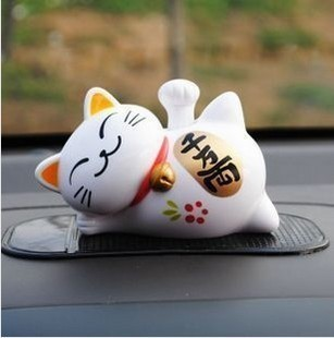 Free Shipping Solar doll car accessories decoration cat lucky cat auto supplies