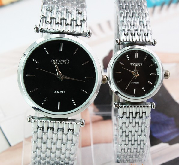 Supply fashion black and white bottom couple of tables strip watch manufacturers primary sources 136,760(China (Mainland))