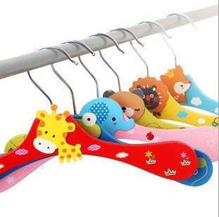 Free shipping Wooden cartoon animal hangers lovely children hanger /Clothes tree/coat hanger 8pcs/lot(China (Mainland))