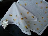 Small bee handkerchief c0710-12 - - - handmade luxurious