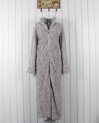 Women robe coral fleece bathrobe derlook zipper style sleepwear(China (Mainland))