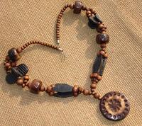 New fashion jewelry cutout wood necklace