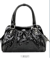 Free Shipping, 2013 new fashion crocodile pattern leather handbag fashion leisure package the Korean leather women handbags