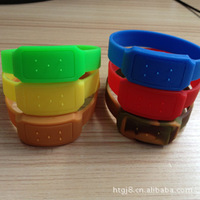 Free shipping Summer 2013 plant essential oil mosquito repellent hand ring Silicone mosquito repellent bracelet 10pcs/lot