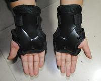 Free shipping Befriended flanchard thickening flanchard skating protective gear gloves armfuls 1