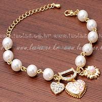 2017 song decorative pattern peach heart pearl love  letter d bracelet