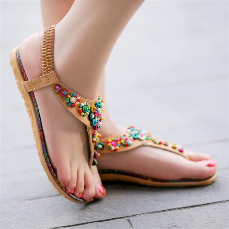 صنادل رائعة Sandals-female-2013-